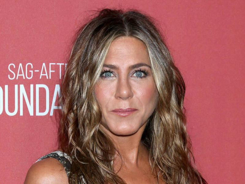 Jennifer Aniston pays tribute to 'all the brilliant and beautiful women in my life'
