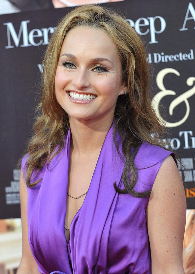 "Giada De Laurentiis at the Los Angeles premiere of <a href=""http://movies.yahoo.com/movie/1810006886/info"">Julie & Julia</a> - 07/27/2009"