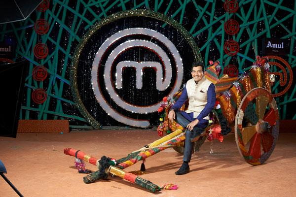 """<p class=""""MsoNormal""""><span><b>SANJEEV KAPOOR</b><br></span></p><p class=""""MsoNormal""""><span>This year in MasterChef, Sanjeev joins Chef Vikas and Chef Kunal as they explore the amateur culinary experts from across the country to bring them to MasterChef India 3 as we once again explore the mastery of Indian cuisine. Sanjeev Kapoor is the most celebrated Indian chef; he is a food connoisseur, TV show host, author of many cookbooks, co-owner of a TV channel, and winner of several culinary awards.</span></p>"""