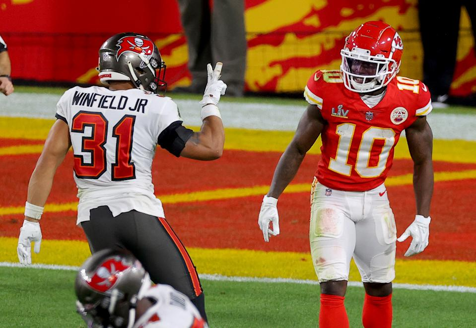 TAMPA, FLORIDA - FEBRUARY 07: Antoine Winfield Jr. #31 of the Tampa Bay Buccaneers taunts Tyreek Hill #10 of the Kansas City Chiefs during the fourth quarter in Super Bowl LV at Raymond James Stadium on February 07, 2021 in Tampa, Florida. (Photo by Kevin C. Cox/Getty Images)