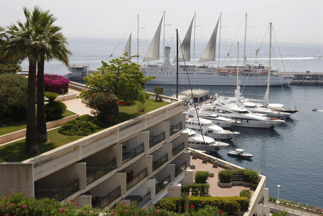 Luxury boats are moored in Monte Carlo, Monaco, July 2, 2009. The world's top 1 percent owns more than half of the world's household wealth. (Charles Platiau / Reuters)