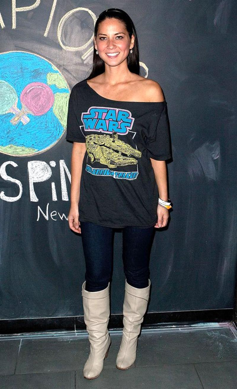 <p>The woman wasn't kidding. She loves <em>Star Wars</em>, as evidenced by the tee she wore at an event not at all related to the blockbuster films. (Photo: Getty Images) </p>