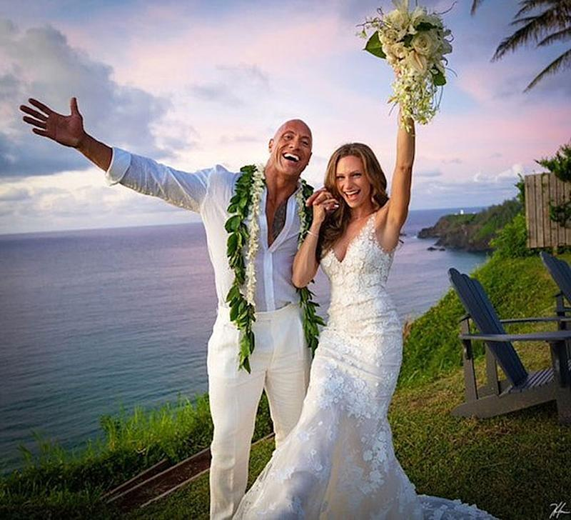 Dwayne Johnson se casa en secreto en Hawai