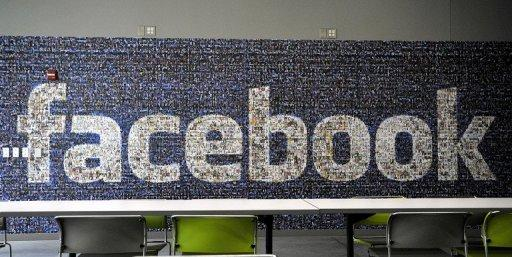 Facebook exects hit the road to persuade investors