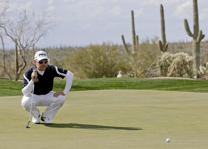 South Africa's Louis Oosthuizen lines up a putt on the seventh green during the Match Play Championship golf tournament, Thursday, Feb. 21, 2013, in Marana, Ariz. (AP Photo/Ted S. Warren)