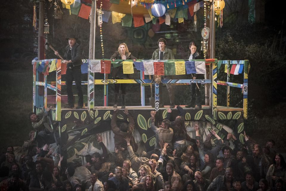 Tallhassee (Woody Harrelson), Little Rock (Abigail Breslin), Columbus (Jesse Eisenberg),  and Wichita (Emma Stone) in Columbia Pictures' ZOMBIELAND: DOUBLE TAP.