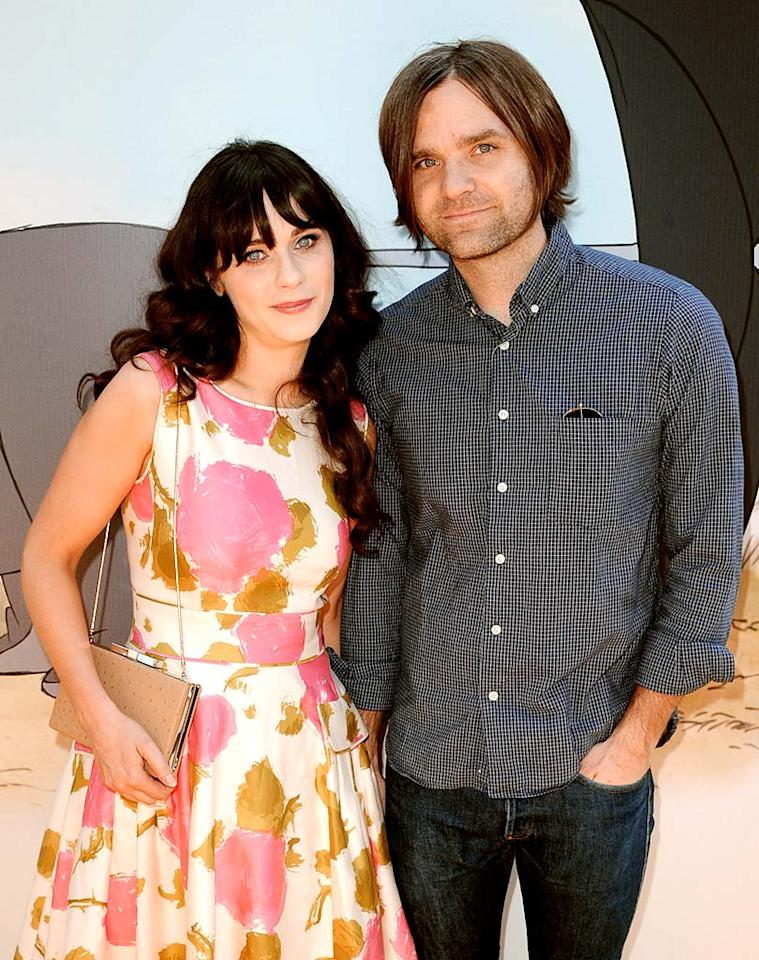 "Zooey Deschanel is the ""New Girl"" on the singles scene. The 31-year-old actress/singer and her husband, Death Cab for Cutie's Ben Gibbard, who wed in 2009, mutually decided to call it quits, their rep confirmed on November 1."