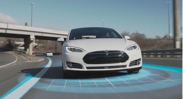 Tesla will roll out new Autopilot later this month