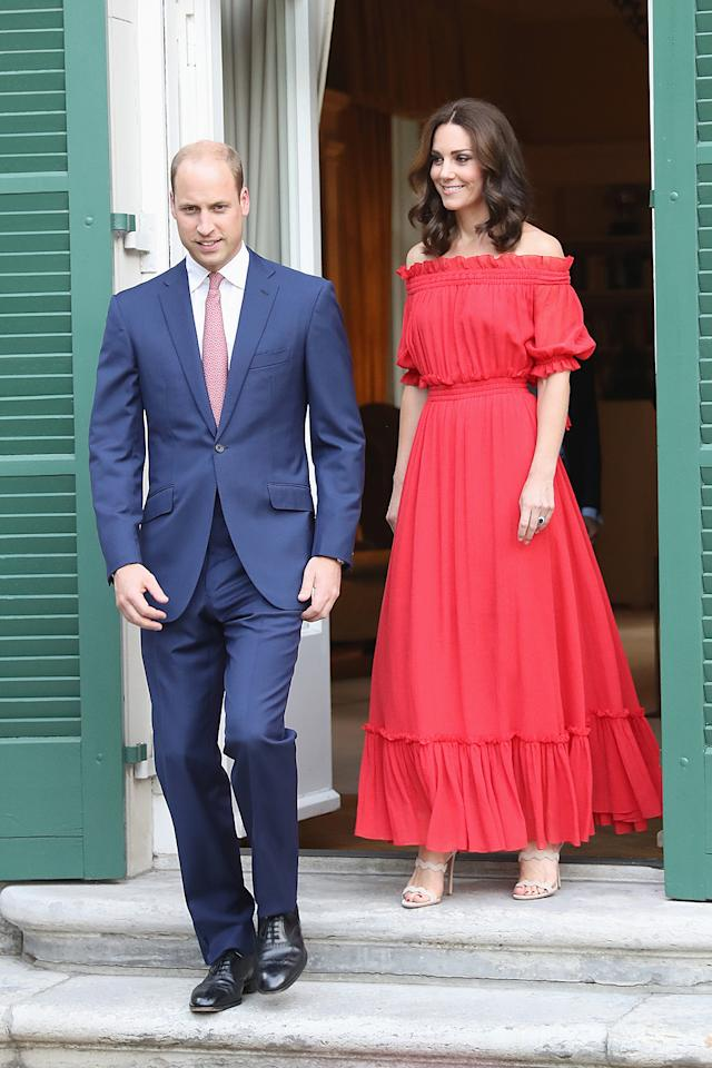 <p>La pareja atendió una celebración en honor a la Reina Isabel en la Embajada Británica de Berlín.<br />(Photo: Chris Jackson/Getty Images) </p>