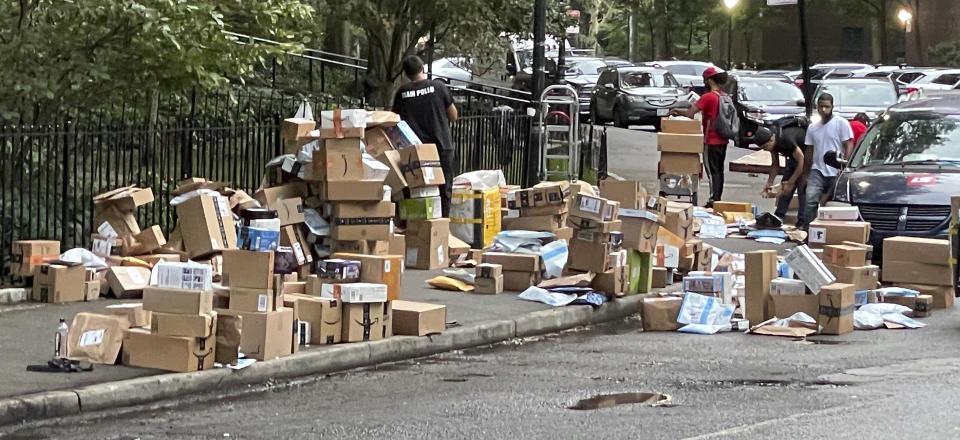 Photo by: STRF/STAR MAX/IPx 2021 9/9/21 Massive amounts of Amazon packages out for delivery in Manhattan.