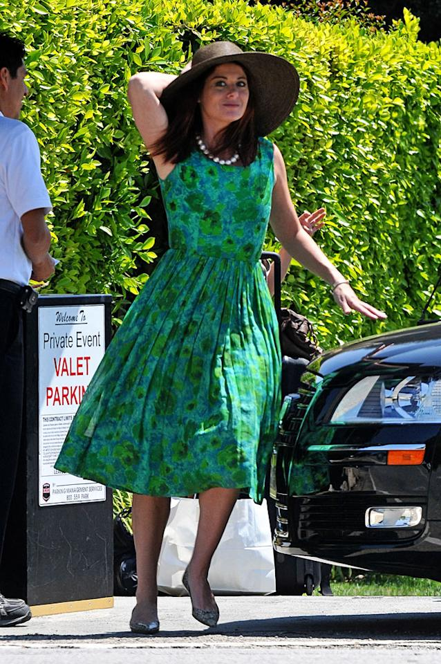 """Will & Grace"" alum Debra Messing donned a dress-and-hat combo fit for a southern belle. Do you think it's a style do, or a don't? Fern/<a href=""http://www.splashnewsonline.com"" target=""new"">Splash News</a> - August 8, 2010"