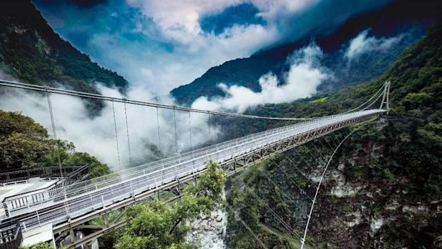 <p>太魯閣國家公園「山月吊橋」預計於2020下半年開放|The Mountain-Moon bridge crossing the Liwu river at the Taroko National Park, is set to open to the public in the second half of the year. (Courtesy of Ministry of the Interior)</p>