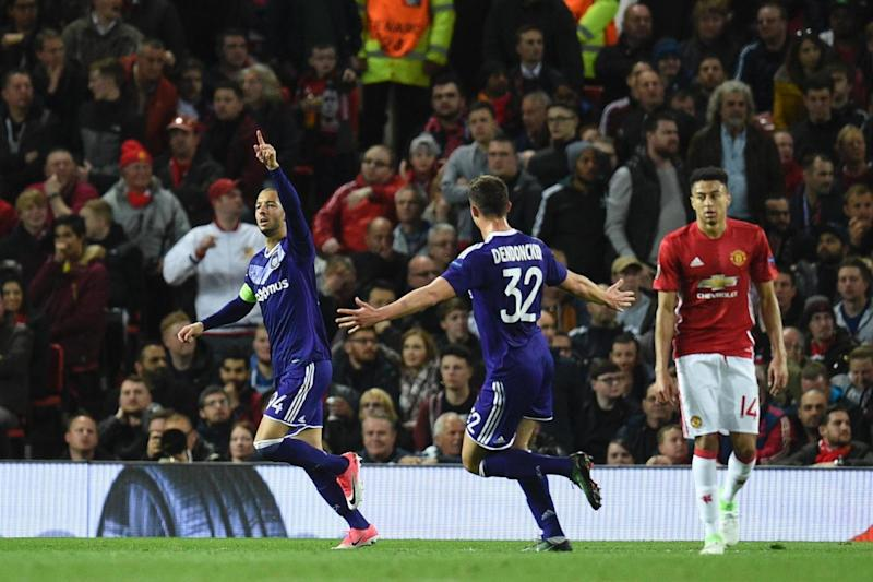 Goal | Anderlecht celebrate their equaliser at Old Trafford