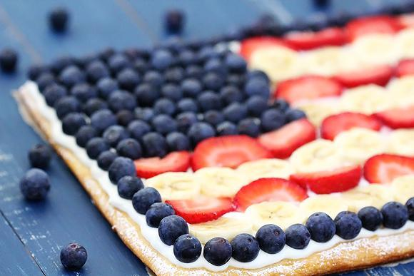 Flag fruit pizza (Gimme Some Oven)