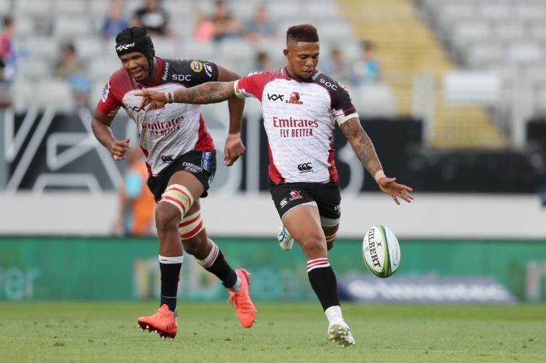 Lions fly-half Elton Jantjies (R) is the leading South African Super Rugby Unlocked scorer with 39 points.