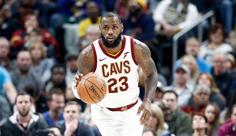 LeBron James had a hand in Cleveland's final 22 points of the game as he finished with 30 points, 13 rebounds and 13 assists in 39 minutes against the Philadelphia 76ers (AFP Photo/ANDY LYONS)