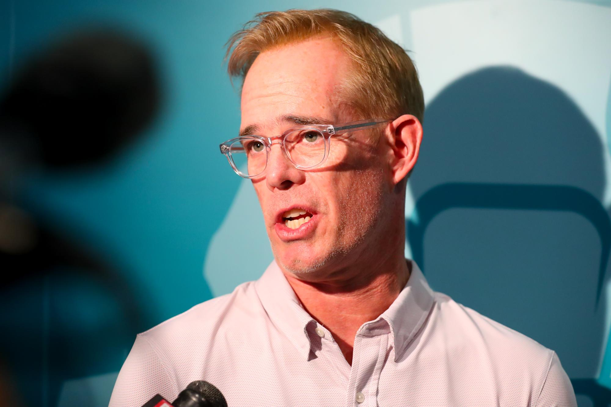 Joe Buck will guest host 'Jeopardy,' put himself in the running for permanent job