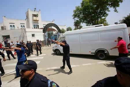 A vehicle, believed to be carrying former prime minister Abdelmalek Sellal, arrives at El Harrach prison in Algiers