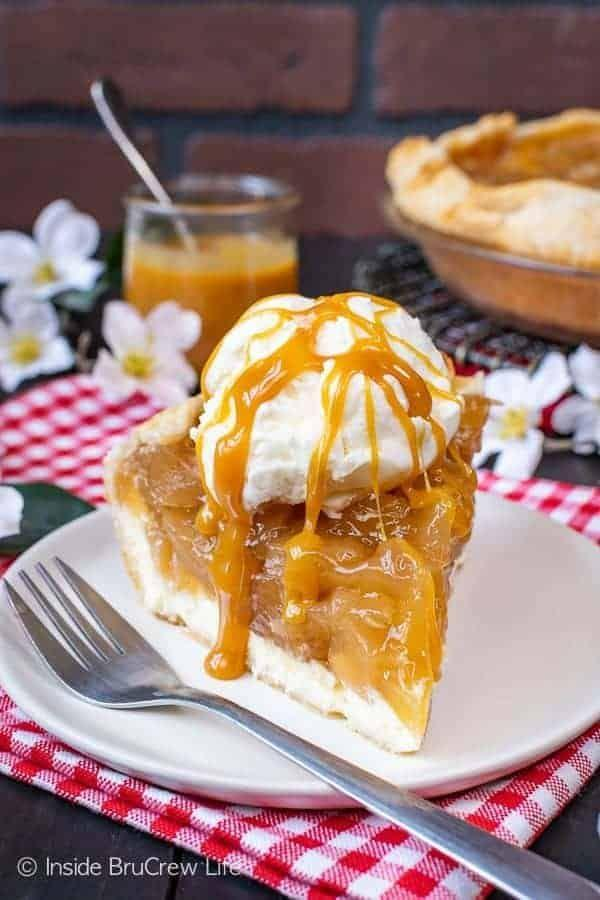 """<p>Can't decide between cheesecake and pie? Thanks to this dreamy mashup, you can enjoy both.</p><p><strong>Get the recipe at <a href=""""https://insidebrucrewlife.com/cheesecake-apple-pie/"""" rel=""""nofollow noopener"""" target=""""_blank"""" data-ylk=""""slk:Inside BruCrew Life"""" class=""""link rapid-noclick-resp"""">Inside BruCrew Life</a>.</strong> </p>"""