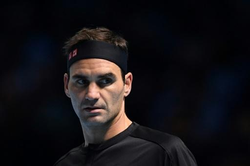 Roger Federer failed in his bid to reach the final of the ATP Finals