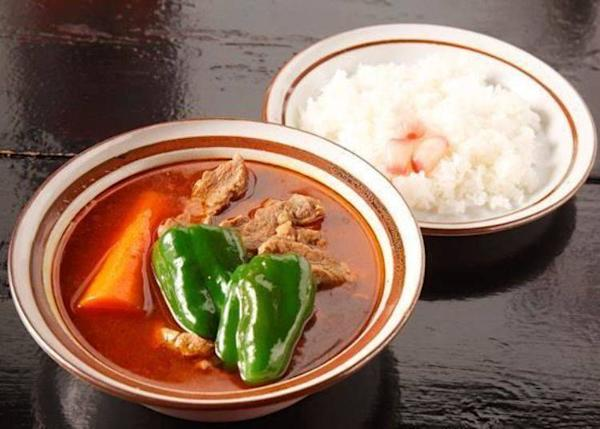 ▲Lambkari (1,200 yen). Ingredients are lamb, carrots and green peppers only