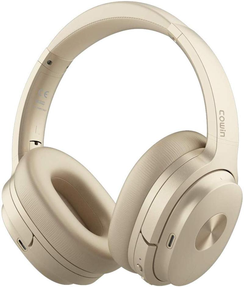 COWIN SE7 Active Noise Cancelling Headphones. (Photo: Amazon)