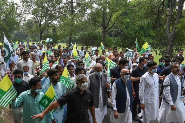 People protest in Lahore in solidarity with people in Kashmir
