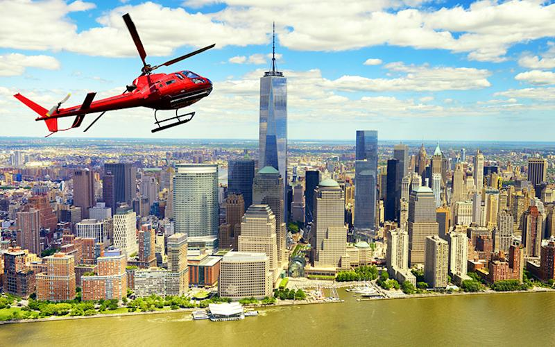 A helicopter tour over Manhattan in New York City - ©katy_89 - stock.adobe.com