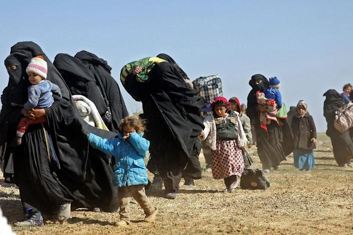 Food, safe drinking water and medication have been scarce for weeks in Baghouz as the SDF closes in on the final patch still held by IS (AFP Photo/Delil souleiman)