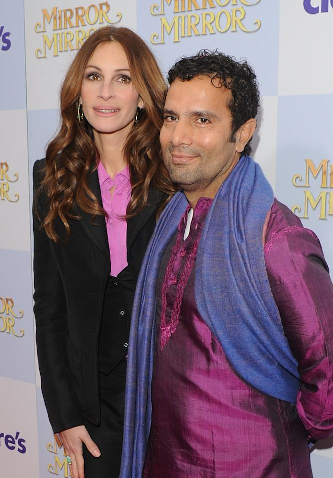 HOLLYWOOD, CA - MARCH 17:  Actress Julia Roberts and Director Tarsem Singh attend the 'Mirror Mirror' premiere at Grauman's Chinese Theatre on March 17, 2012 in Hollywood, California.  (Photo by Jason Merritt/Getty Images)