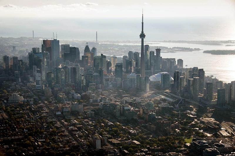 Toronto Housing Prices Extend Gains Amid Tightening Supply