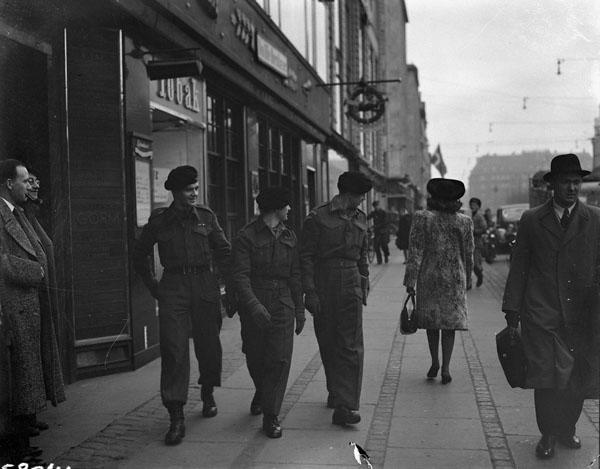 <p>Photographer: Gloster, Barney J.<br /> Location: Copenhagen, Denmark,<br /> Description: (L-R): Trooper D.L. Amos, Guardsmen D.L. Duncan, C.C. Bizzo<br /> Date: November 23, 1945 </p>