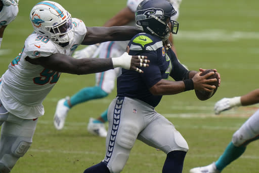 Wilson leads Seahawks to first 4-0 start since 2013