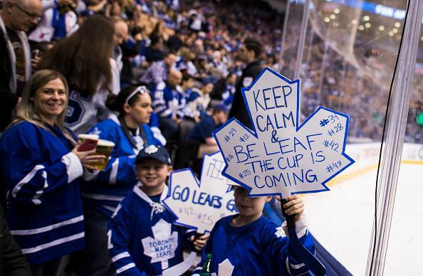 "TORONTO, ON – APRIL 9: Young fans hold signs during before the Toronto Maple Leafs play against the <a class=""link rapid-noclick-resp"" href=""/nhl/teams/cob/"" data-ylk=""slk:Columbus Blue Jackets"">Columbus Blue Jackets</a> at the Air Canada Centre on April 9, 2017 in Toronto, Ontario, Canada. (Photo by Mark Blinch/NHLI via Getty Images) *** Local Caption ***"