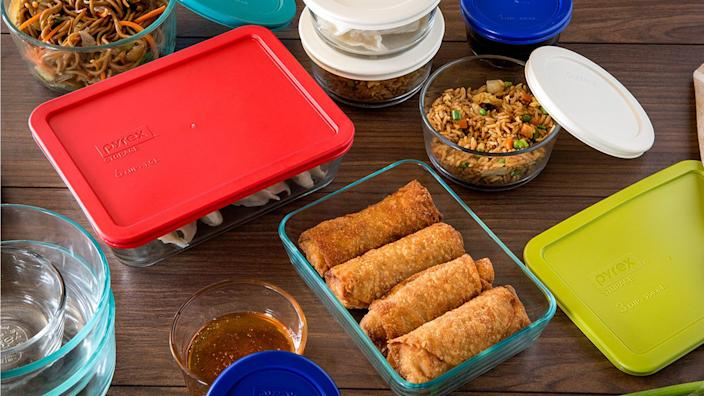Save on this high-quality Pyrex storage set.