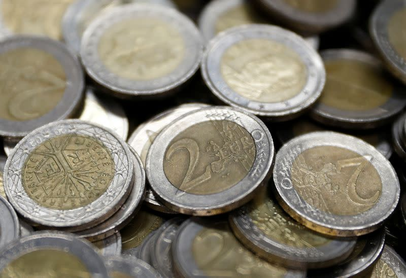 Forex, euro in rialzo, mercato in attesa meeting Bce