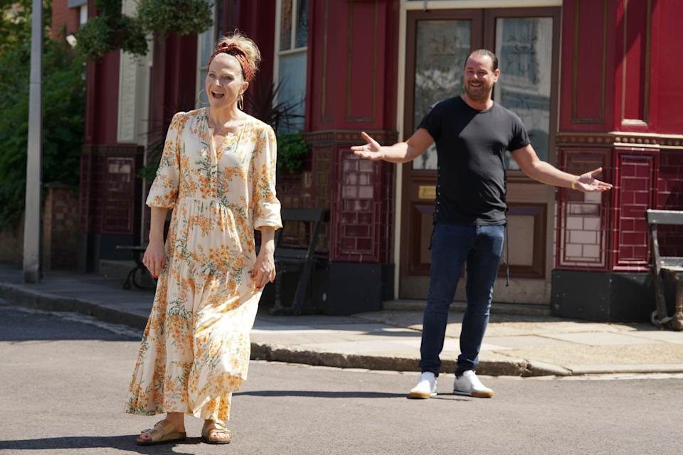 Kellie Bright and Danny Dyer stayed two metres apart when they met up on the 'EastEnders' set. (BBC)