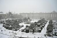 The snowfall, which began on Thursday, blanketed Madrid in white