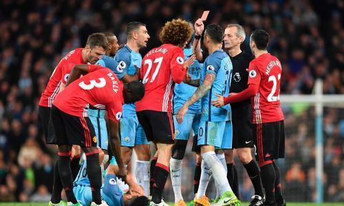 Marouane Fellaini sent off for head butt yet Manchester United hold City to draw