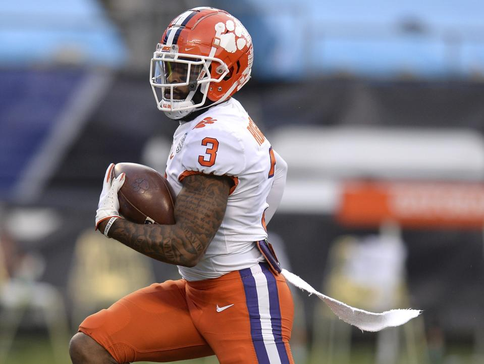 Clemson WR Amari Rodgers races toward the end zone against Notre Dame in the ACC championship game. (Jeff Siner/The News & Observer via AP)