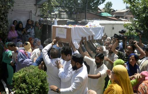 Mob beats police officer to death in Indian Kashmir
