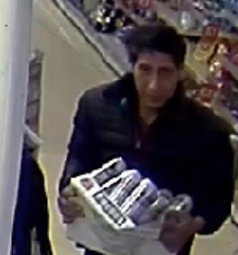Could this beer thief look more like Ross from 'Friends'?