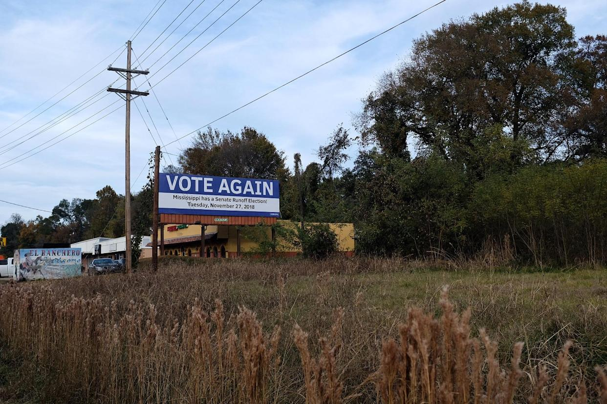 A billboard reminding voters about the Mississippi Senate runoff election in Vicksburg, Miss. (Photo: Holly Bailey/Yahoo News)