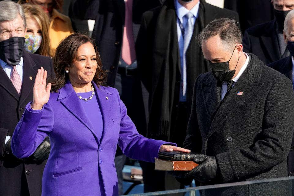 Why so many people wore purple to inauguration  (POOL/AFP via Getty Images)