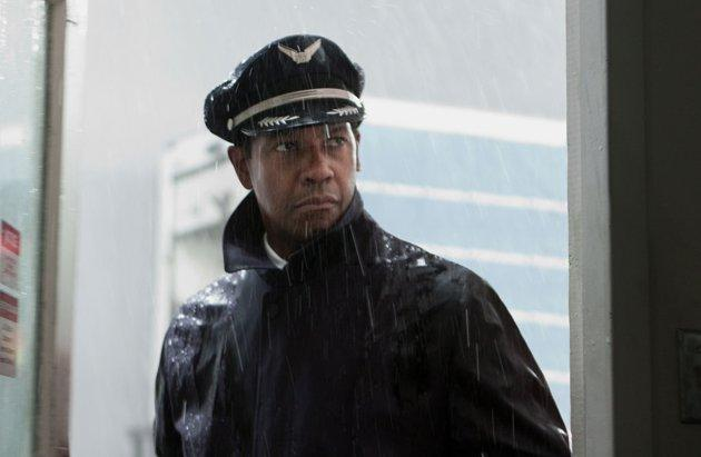 "<div class=""cptn"">Denzel Washington, ""Flight""</div>"