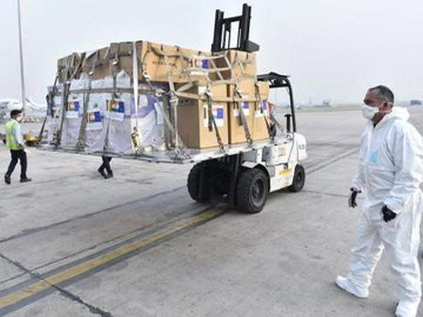 India receiving a consignment of 80 oxygen concentrators and 75 oxygen cylinders from Romania. (Credit: Arindam Bagchi/Twitter)