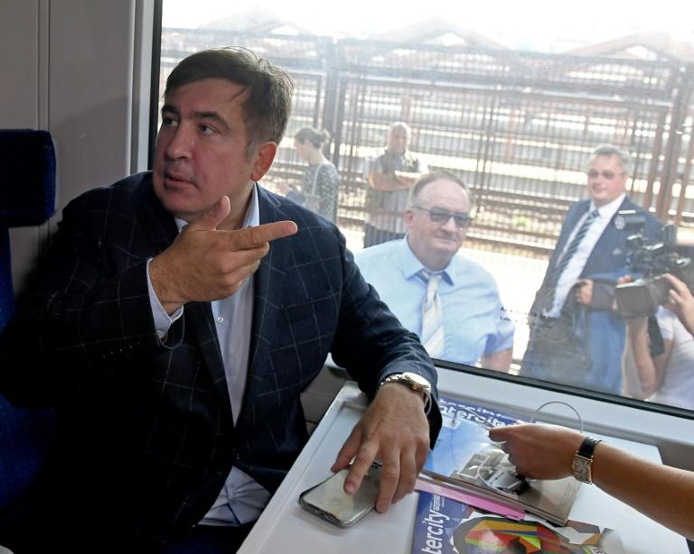Protesters Rush Mikheil Saakashvili Through Polish-Ukrainian Border Crossing