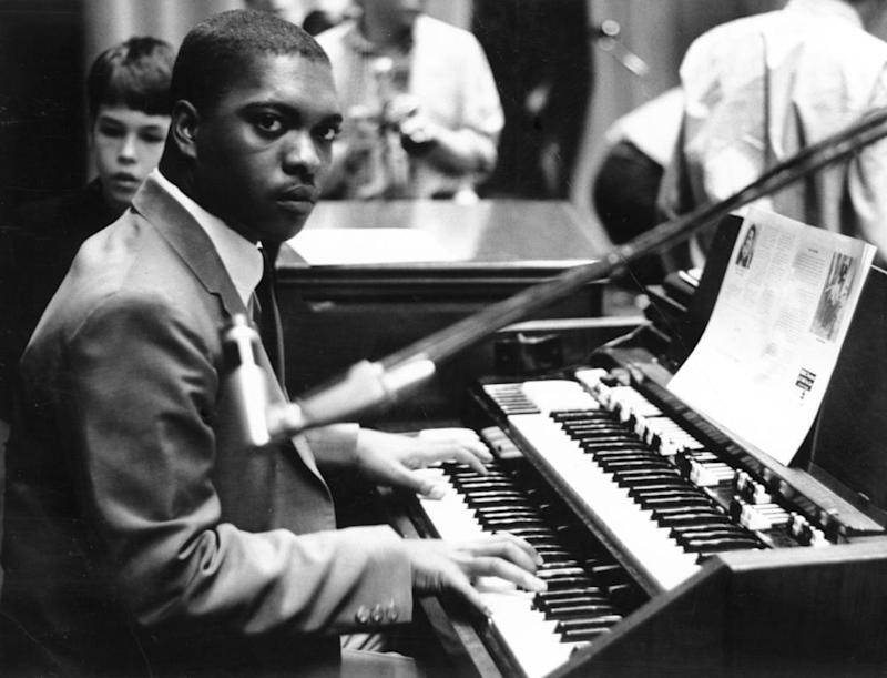 Booker T at the organ in 1964.