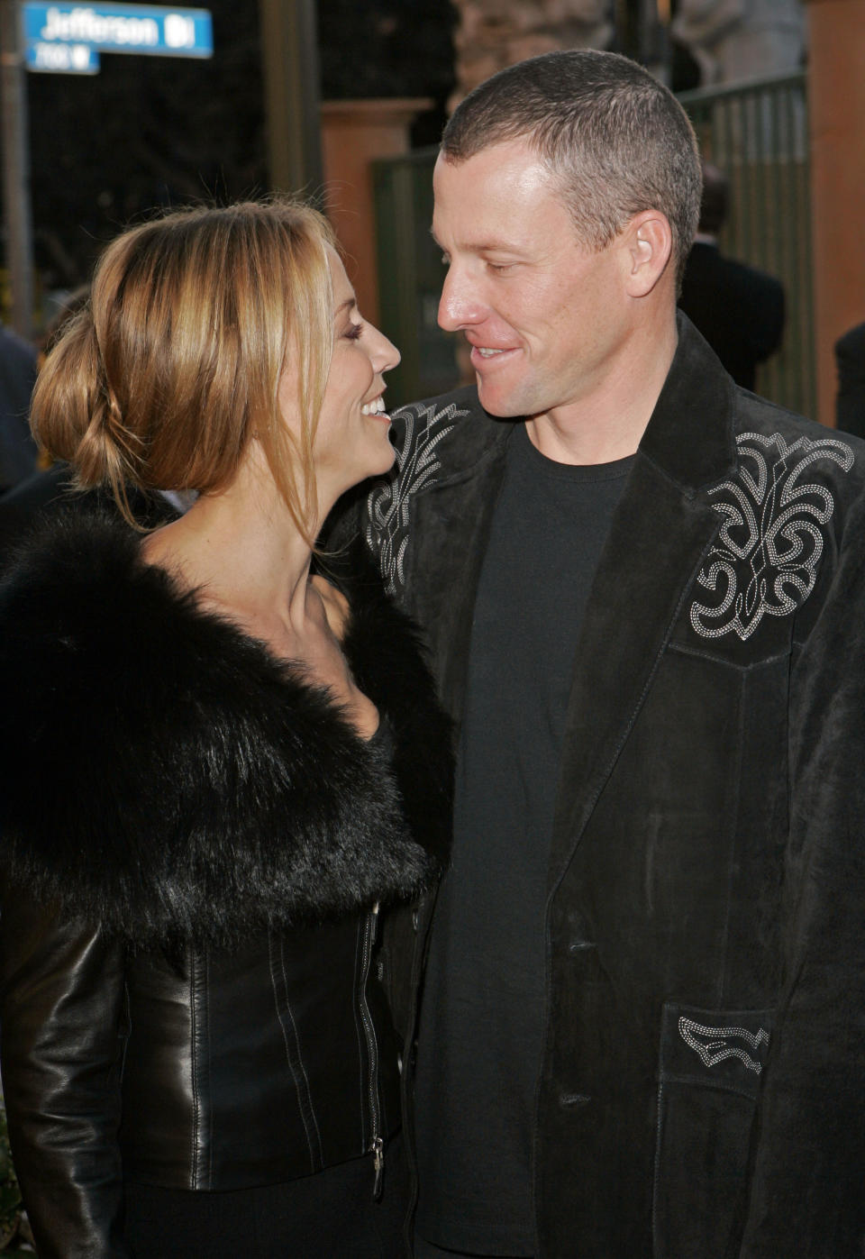 Sheryl Crow and Lance Armstrong at the American Music Awards in 2005. (Photo: AP/Kevork Djansezian)