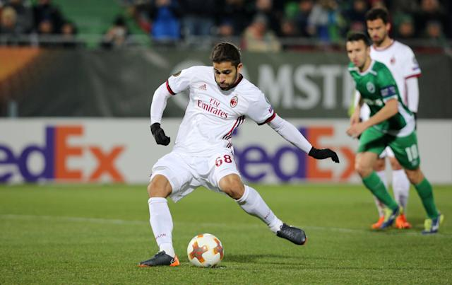 Soccer Football - Europa League Round of 32 First Leg - PFC Ludogorets Razgrad vs AC Milan - Ludogorets Arena, Razgrad, Bulgaria - February 15, 2018 AC Milan's Ricardo Rodriguez scores their second goal from the penalty spot REUTERS/Stoyan Nenov